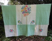 1930s Cotton Quilt FLOWERS Hand Pieced Appliqued Quilted