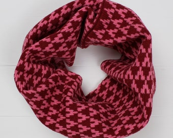 Knitted lambswool cowl / snood in red / pink colour geometric arrow design, knitted in the UK - 100% wool