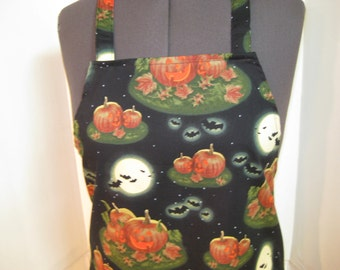 Halloween Apron With Flying Bats And Pumpkins For Women