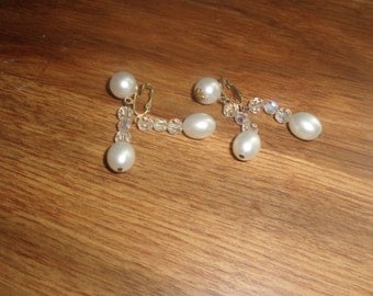 vintage clip on earrings goldtone faux pearls glass beads dangles marvella