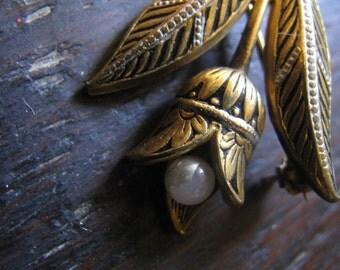Spanish Toledo Tulip pin 1.5 inches - perfect condition