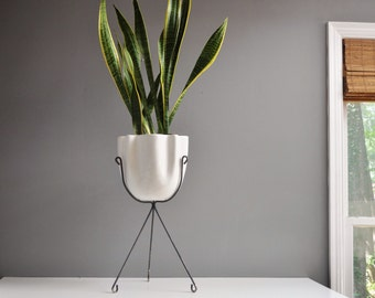 Mid-Century Hull Ceramics Off-White Planter on Tripod Stand