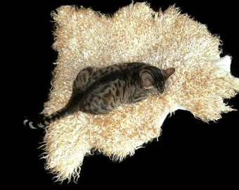 Cat Bed - Cruelty Free Felted Wool Fleece Rug Pet Bed - Lincoln/Corriedale - Supporting Small Farms of The United States - Ready to Ship
