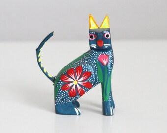 Hand Carved Wood Mexican Folk Art Cat Figurine - El Gato Oaxaca Mexico