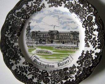 Vintage Royal Worchester Palissy Buckingham Palace Wall Plate