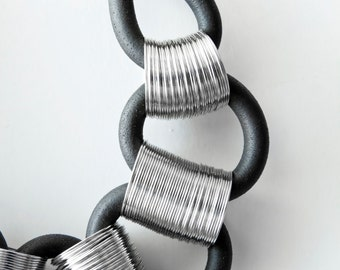 Silver statement necklace - Rubber necklace - Silver statement chocker
