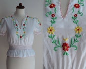 Vintage Peasant Blouse - 1970's White Embroidered Blouse - Size XS