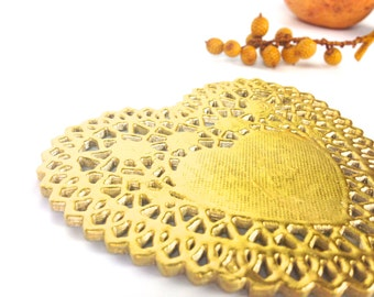 10 Gold Heart Doilies. Metallic Gold Foil doily gift embellishments | 4 inch Golden Lace Paper Doilies. Catering, Crafts, Weddings