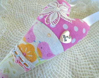 Bird Pillow Heart / Love Bird Pillow Heart / Baby Nursery Decor / Mama And Baby Bird / Pink Birds / Fabric Heart / I Love You