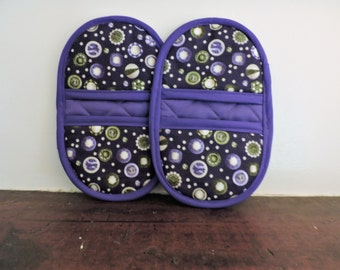 Mini Microwave Mitts-Oven Mitts-Pinchers-Button Motif w/Purple Trim-Free Shipping