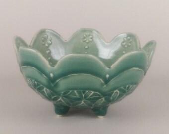 Thrown Small Bowl - Jade Green / Cedar Pass Green/Blue Green Bowl with feet - Scallop Edge