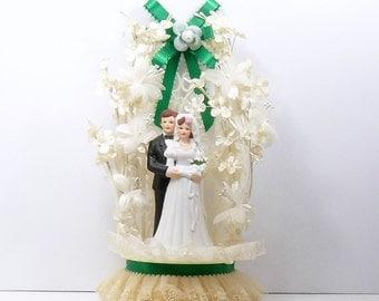 Large Wedding Cake Topper Bride Groom Pearls Lace Millinery Flowers Porcelain Brunette Bride Arch Vintage 1990s
