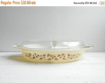 SALE Vintage Pyrex Acorn Divided Casserole Dish Cream & Gold with Lid in Original Box