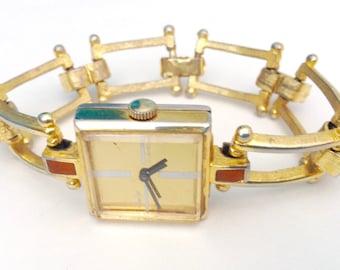 Cover Girl vintage 1960s women's bracelet wrist watch 17 jewels 103ELU model