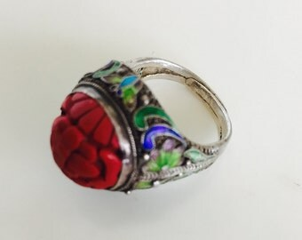 Gorgeous vintage Chinese cinnabar and Cloisonne ring