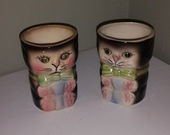 VINTAGE kitten cat cup set pair lot 1940's pottery number 7445 blue eyes bow tie
