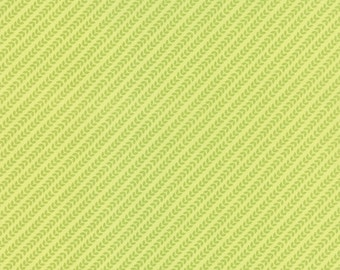 Green Leaf/Garland Fabric - North Woods by Kate Spain from Moda 1/2 Yard