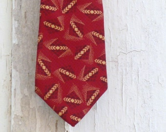 Men's Vintage Necktie, John Ashford, Deep Red and Cream design, Christmas Tie, Designer Vintage Neckties