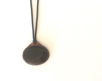 Vintage Oval Boho Pendant Necklace with Leather Strand and brown/black stone