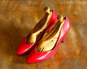 vintage Italian red leather heels / Andrew Geller shoes / size 8