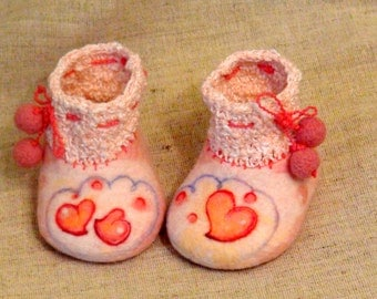 "Hand felted merino wool booties  slippers "" Love heart "" infant girl pink"