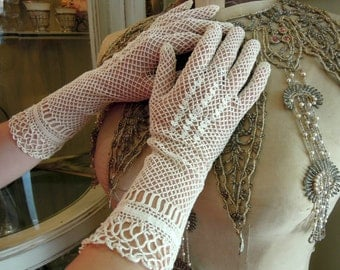 Antique Long Lace Victorian Gloves / Edwardian Ivory Gloves / Ivory Crocheted Gloves / Wedding Gloves / Mid Length Gloves