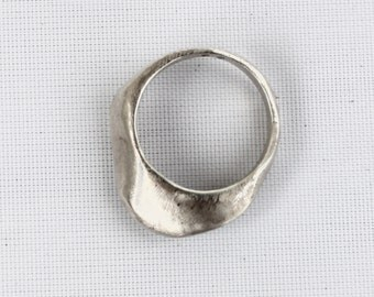 SIGR wavy ring