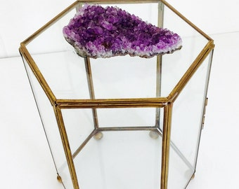 Glass trinket box with amethyst