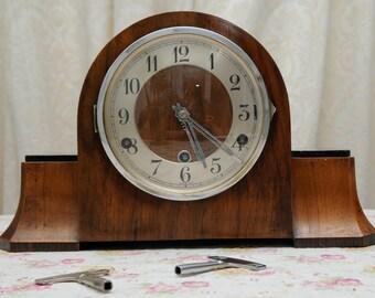 Art Deco 1930s / 1940s Mantel Clock