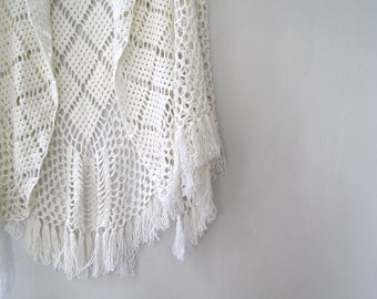 Vintage White Long Shawl, Crochet Fringed Granny Shoulder Wrap, 70s Boho Hippie Top, Knit Shawl Scarf, Crochet Poncho, Winter Spring Fashion