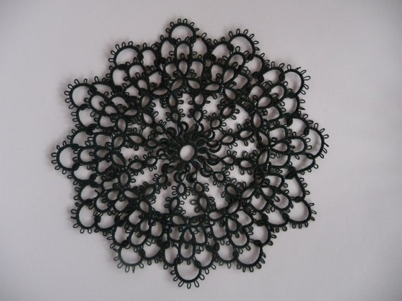 Handmade doily Dark Green - home decor - tatting shuttle - tatting doily
