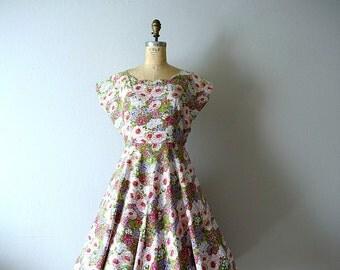 1950s spring floral dress . large vintage 50s dress
