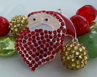 Jolly Saint Nick Gold, Green & Red Bead Jewelry Kit, 20mm Sampler Gumball Bead Kit w/Pendant, M3