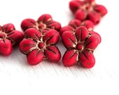 Red flower beads, czech glass, Five petal flower, Old Patina, daisy, pressed beads - 6pc - 14mm - 2603
