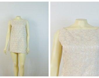 Vintage Dress 50s  60s Shortened Mini Dress Cream Brocade Back Metal Zipper Modern Size Small