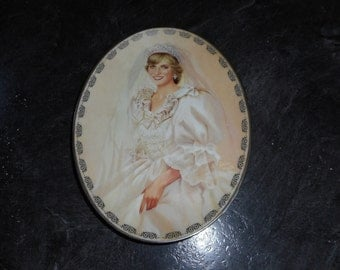 Diana Queen of our Hearts collectors plate, first issue, numbered and officially registered for trading on the Bradford Exchange.