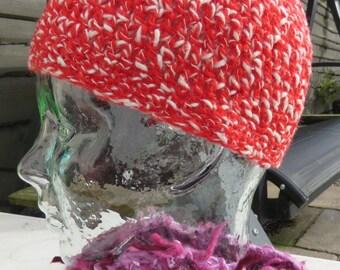 Crochet beanie hat in variegated red tweed yarn