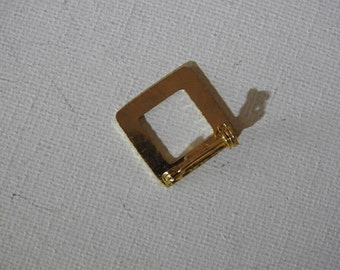 Gold Square Pin