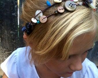 Button Button: Versatile crocheted necklace / bracelet / belt / headband