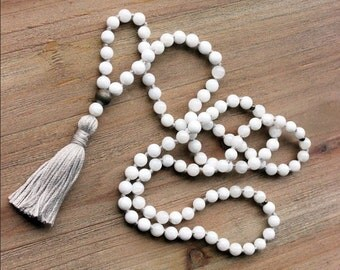 White Shell Mala Necklace - Prayer Beads Meditation Mantra 108 Mala Yoga Japa Hindu Knotted Rosary