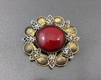 Bold Vintage Red Czech Glass Brooch with Large Red Cabochon. Vintage Red Brooches. Glass Czech Brooch / Red Filigree Brooch.