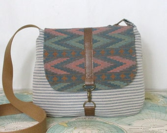 Arizona // Crossbody messenger bag // Adjustable strap // Vegan purse // Travel purse // Southwestern // Tribal // Ombre // Ready to ship