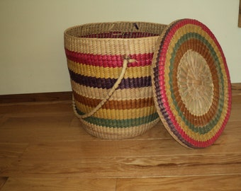 Vintage Big Rainbow Woven Basket with Matching Lid in Vintage Condition with wonderful woven design which can store many things