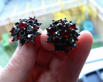 Subdued Sparkle - Vintage Deep Wine Red with Opaque Black & Hematite Rhinestones Clip Earrings (J-16-514)