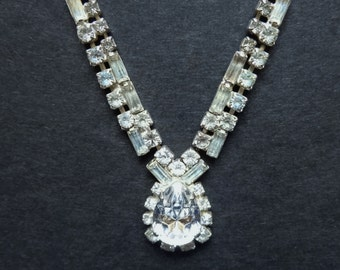 RHINESTONE TEARDROP NECKLACE - Vintage Necklace with 112 Clear Faceted Glass Stones - 18* (45.8 cm) Long - Bridal or Prom Jewelry