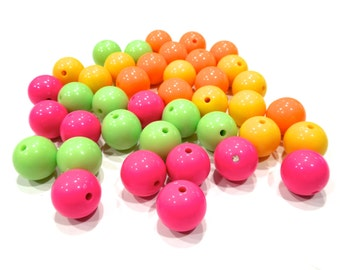 VINTAG: 1980's - 40 Large Retro Plastic Beads - Spring Colorful Beads - (11-A4-00004606)