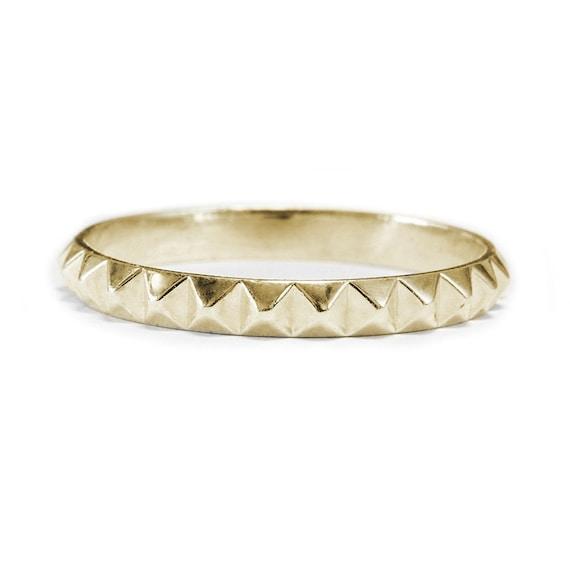 pyramid ring womens wedding band 14k gold by