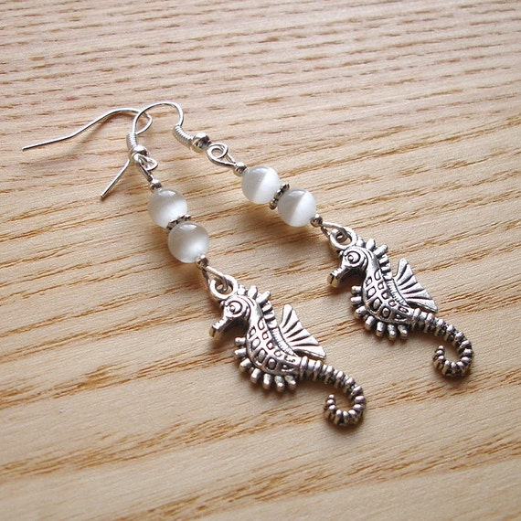 Sea Horse Earrings, Charm Jewellery, Unique Gift for Sister, Tibetan Silver, Seaside Scuba Diving, Everyday Earrings, Nature Lover Gift