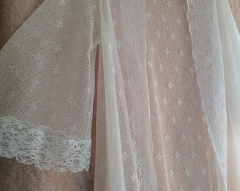 Vintage white nylon lace negligée/pegnoir