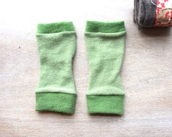 Fingerless Gloves in green cashmere, wrist warmers, typing gloves in greys
